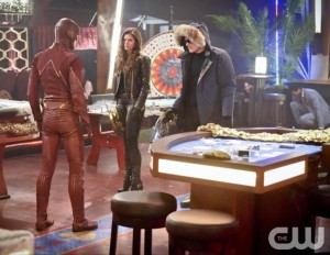 CW The Flash Rogue Time Season 1 Episode 16 with Captain Cold and Golden Glider