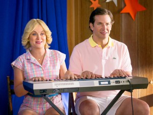 1435854509_amy-poehler-bradley-cooper-wet-hot-american-summer-first-day-of-camp-zoom