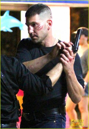 A beat up Jon Bernthal films a fight scene for 'Daredevil' **USA ONLY**