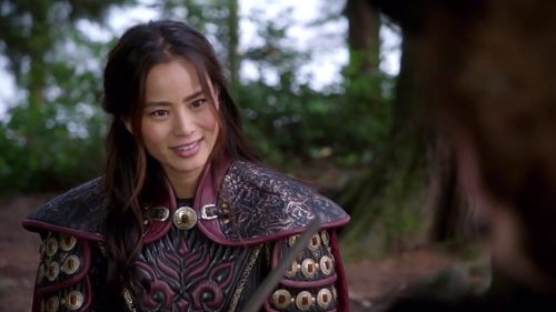 2015-11-16-ouat-mulan-fight-03