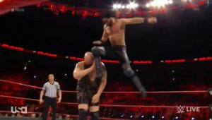 wwe-monday-night-raw-2016-12-05-hdtv-x264-nwchd-mp4_snapshot_00-16-28_2016-12-05_23-57-43